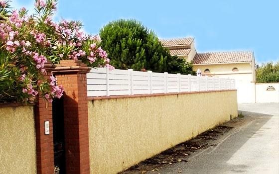 Clôture PVC pour muret